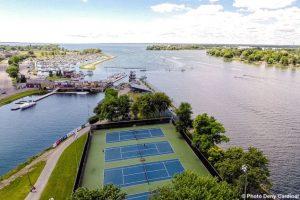 photo-aerienne-tennis-parc-sauve-marina-saison-estivale-Photo-Deny_Cardinal-via-SdV-650x423